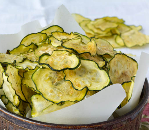 zucchini chips - best alternatives to potato chips - thepetitecook.com