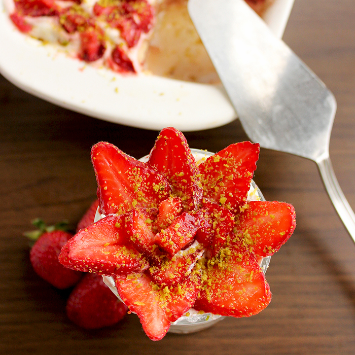 10 Absolutely Delicious and Healthy Spring Strawberries Recipes - thepetitecookcom