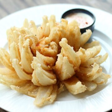 How To Make an Awesome Onion Flower - Video Step-by-step recipe - by Thepetitecook