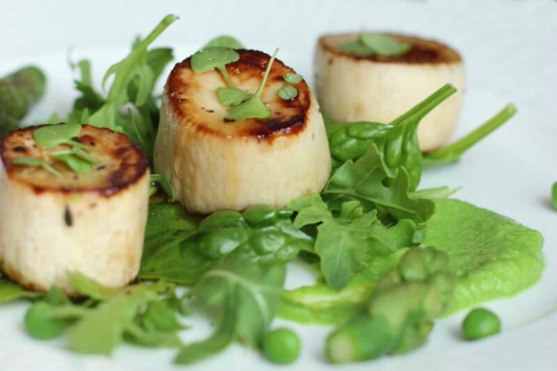 vegan-scallops-pea-puree