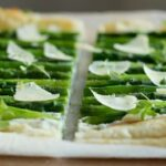 Asparagus tart with fresh herbs - Light, refreshing and aromatic, this tart makes a stunning appetizer for brunch, lunch and dinner! Healthy, quick homemade recipe by The Petite Cook