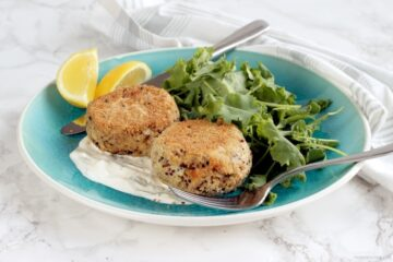 A healthy take on fish cakes - these easy-to-make Salmon Quinoa Fishcakes make a quick and balanced meal, plus they're gluten-free and dairy-free - Recipe from thepetitecook.com