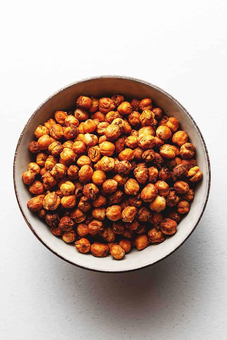 crispy air-fryer chickpeas in a bowl.